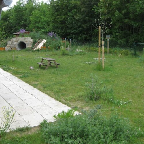 Erschaffung vom (von) Bienennutzgarten (.de)